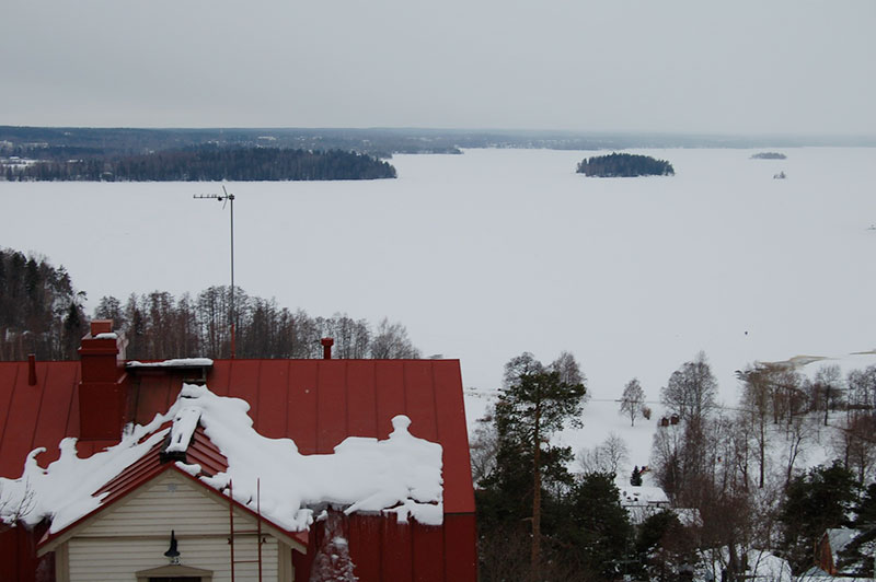 Frozen-lake-at-Tampere